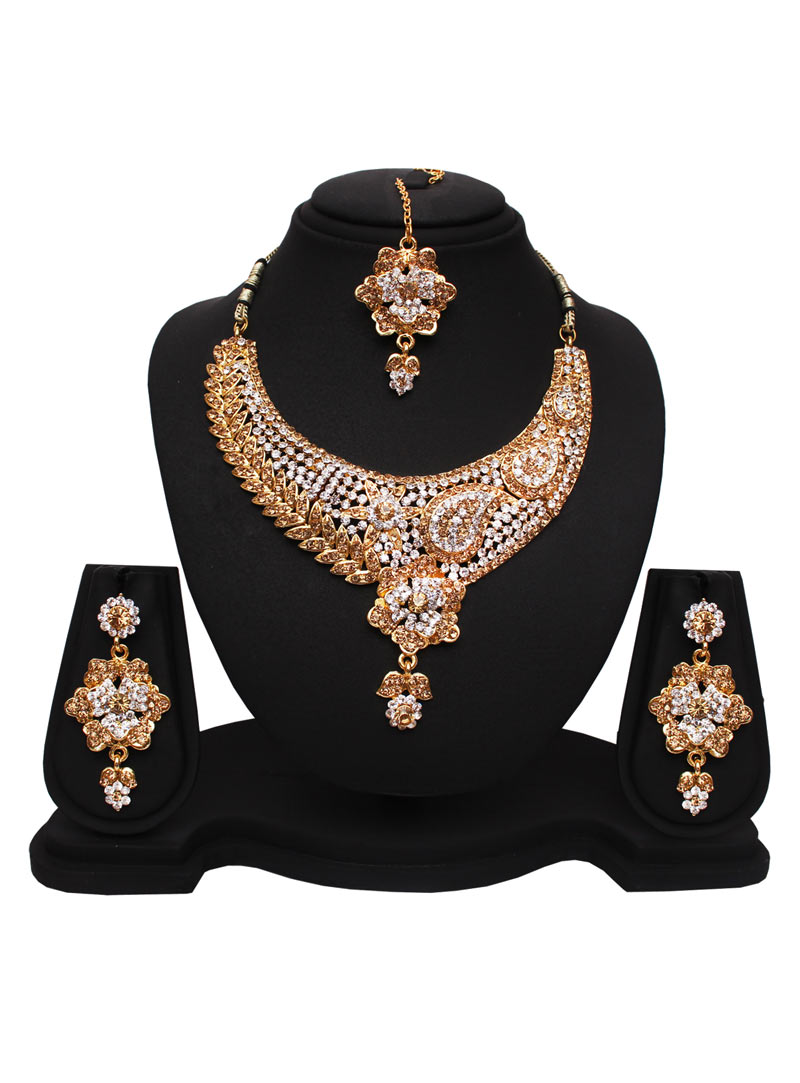 Golden Alloy Cubic Zirconia Necklace With Earrings and Maang Tikka 89176