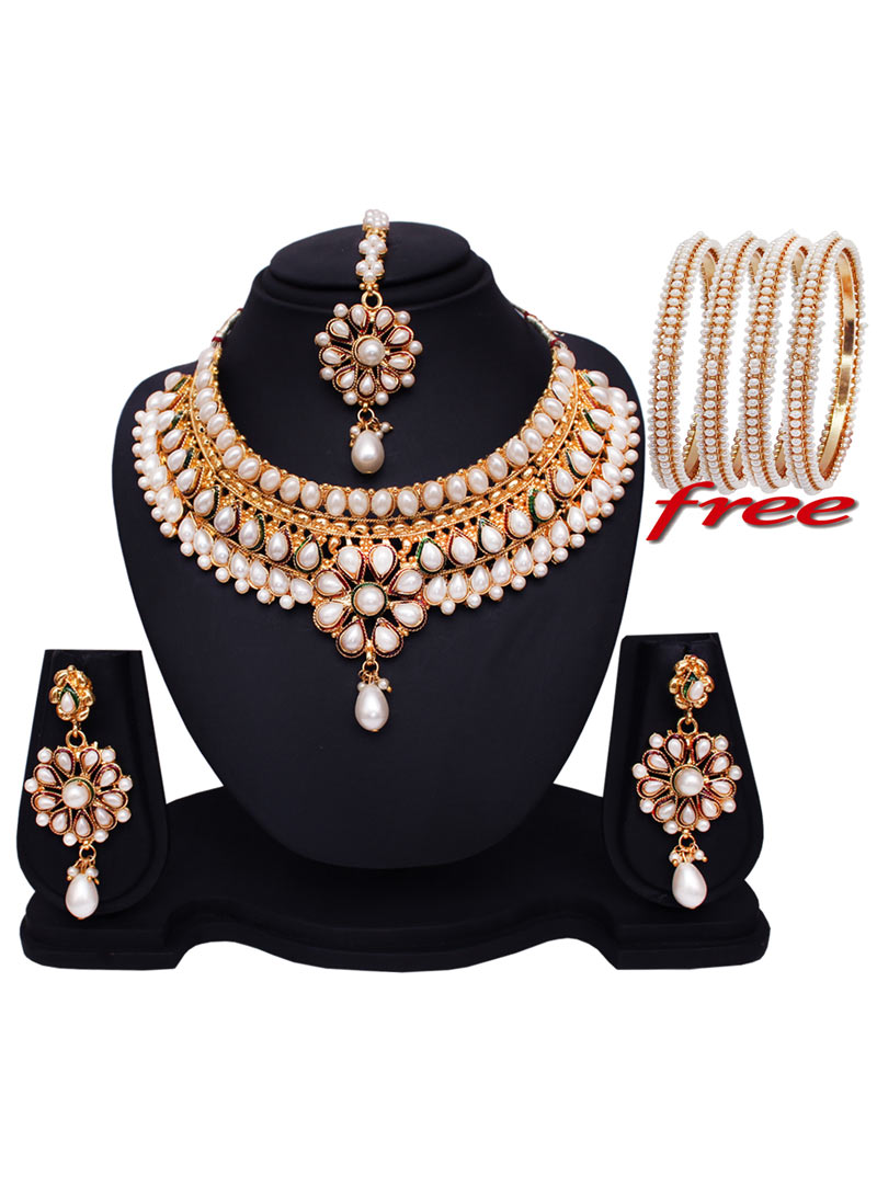 White Alloy Pearl Kundan Heavy Set With Free Alloy Bangles 89197