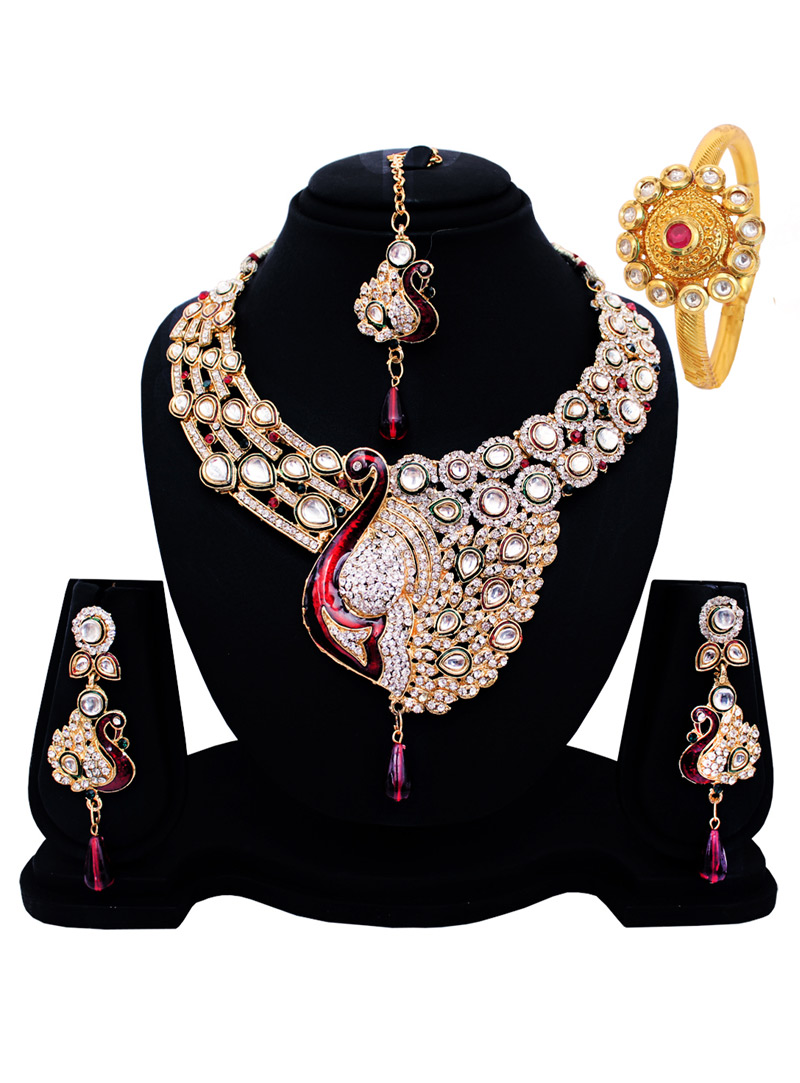 Silver Alloy Austrian Diamond Set With Earrings and Maang Tikka 128541