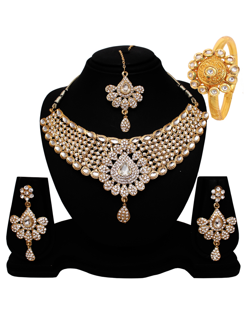Silver Alloy Austrian Diamond Set With Earrings and Maang Tikka 128549