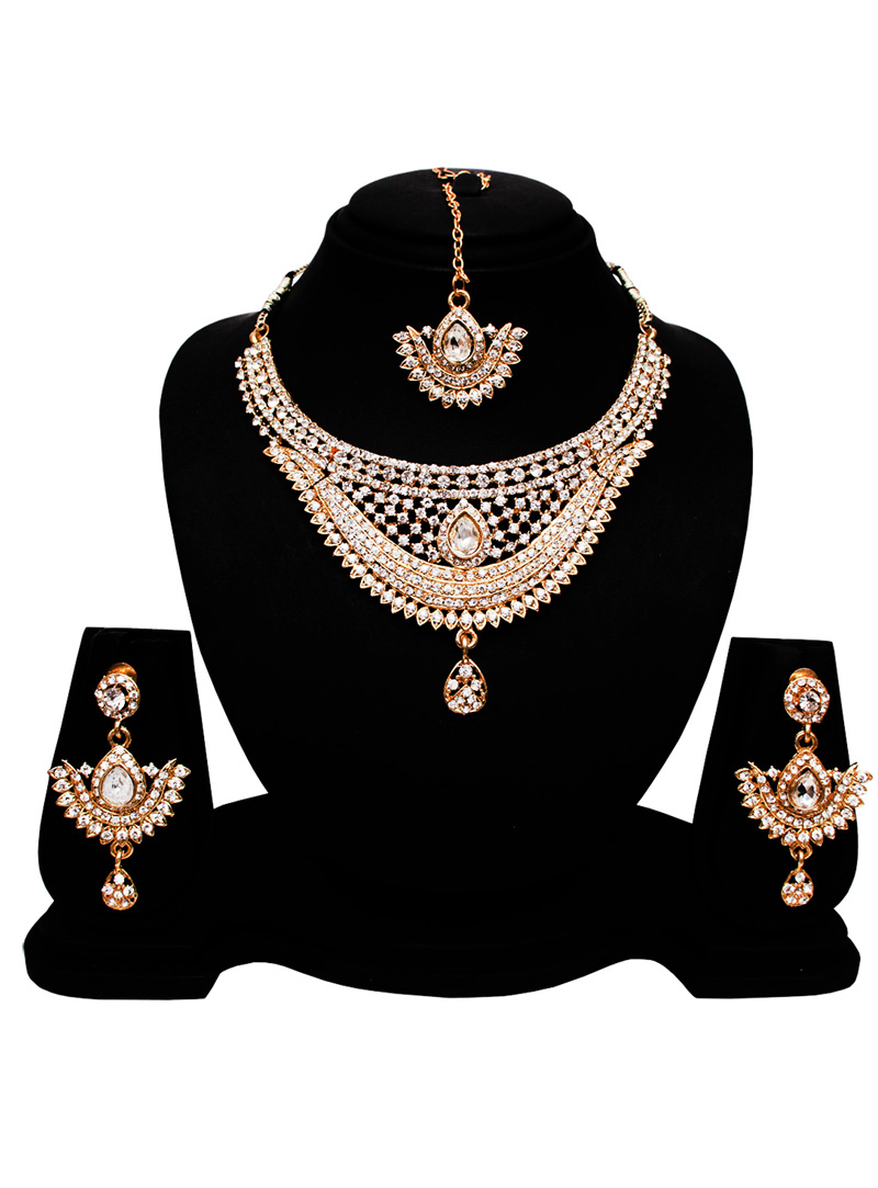 Silver Alloy Austrian Diamond Set With Earrings and Maang Tikka 128551