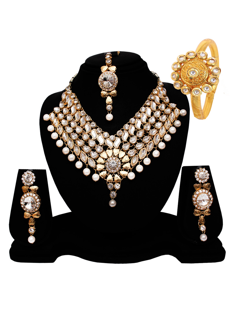 Silver Alloy Austrian Diamond Set With Earrings and Maang Tikka 128553