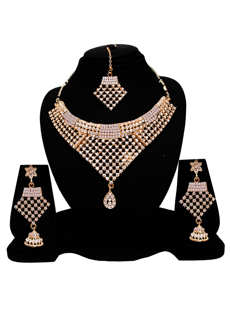 Silver Alloy American Diamond Set With Earrings and Maang Tikka 128559