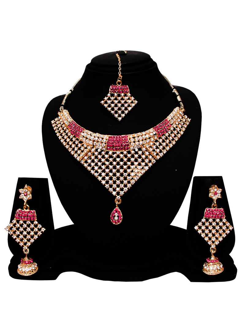 Silver Alloy American Diamond Set With Earrings and Maang Tikka 128560