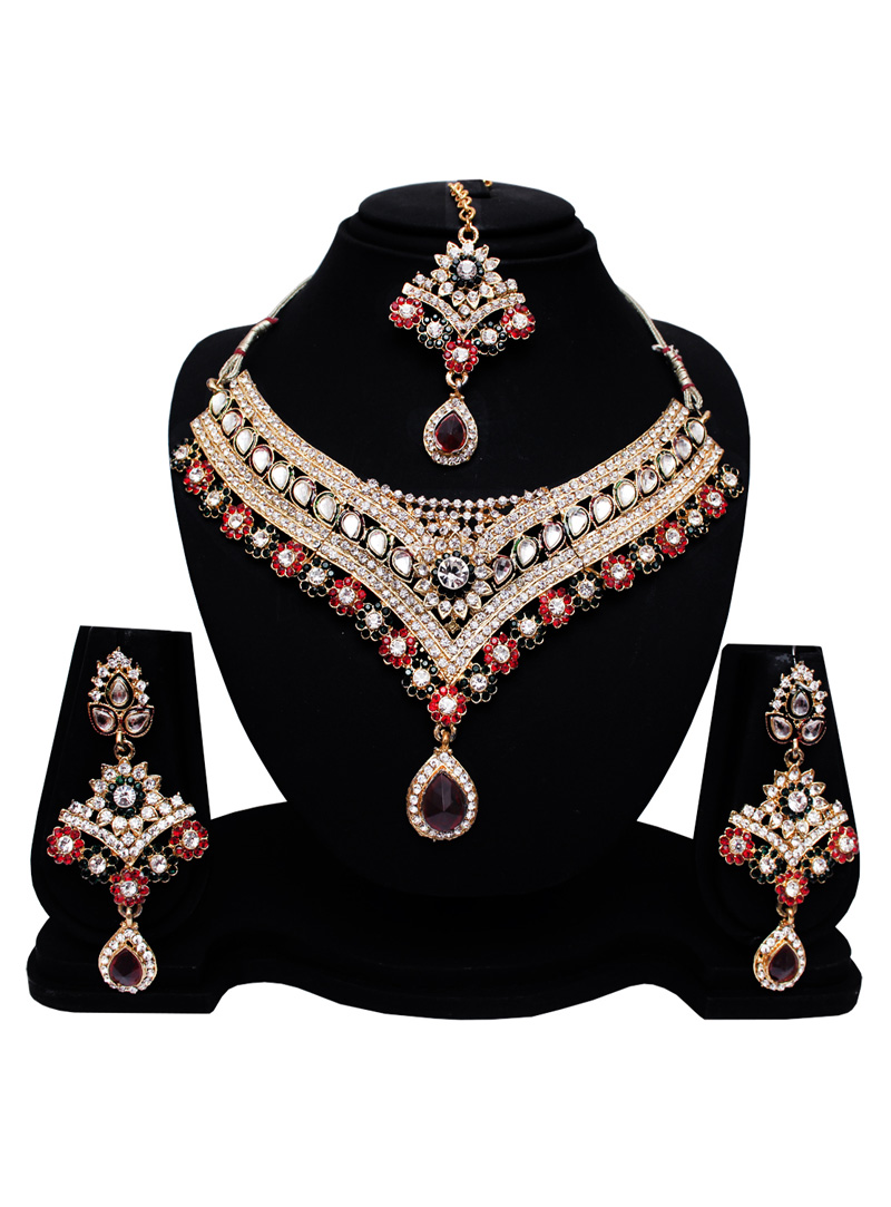 Silver Alloy Austrian Diamond Set With Earrings and Maang Tikka 128601