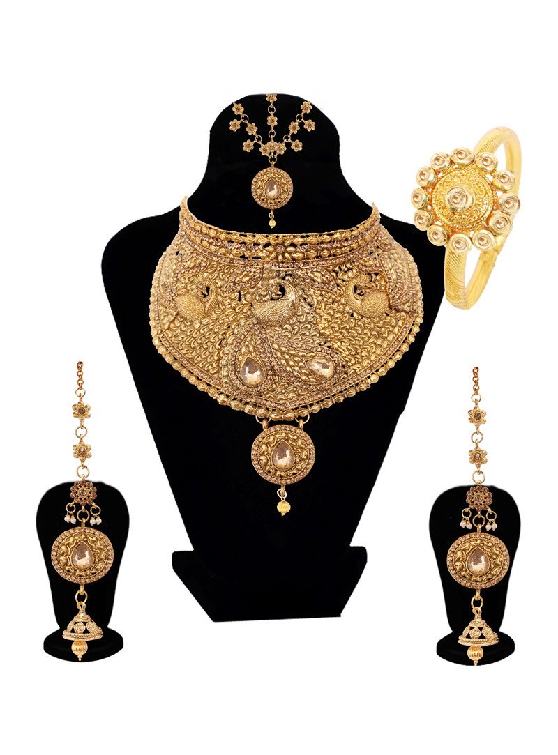 Golden Alloy Austrian Diamond Set With Earrings and Maang Tikka 128617