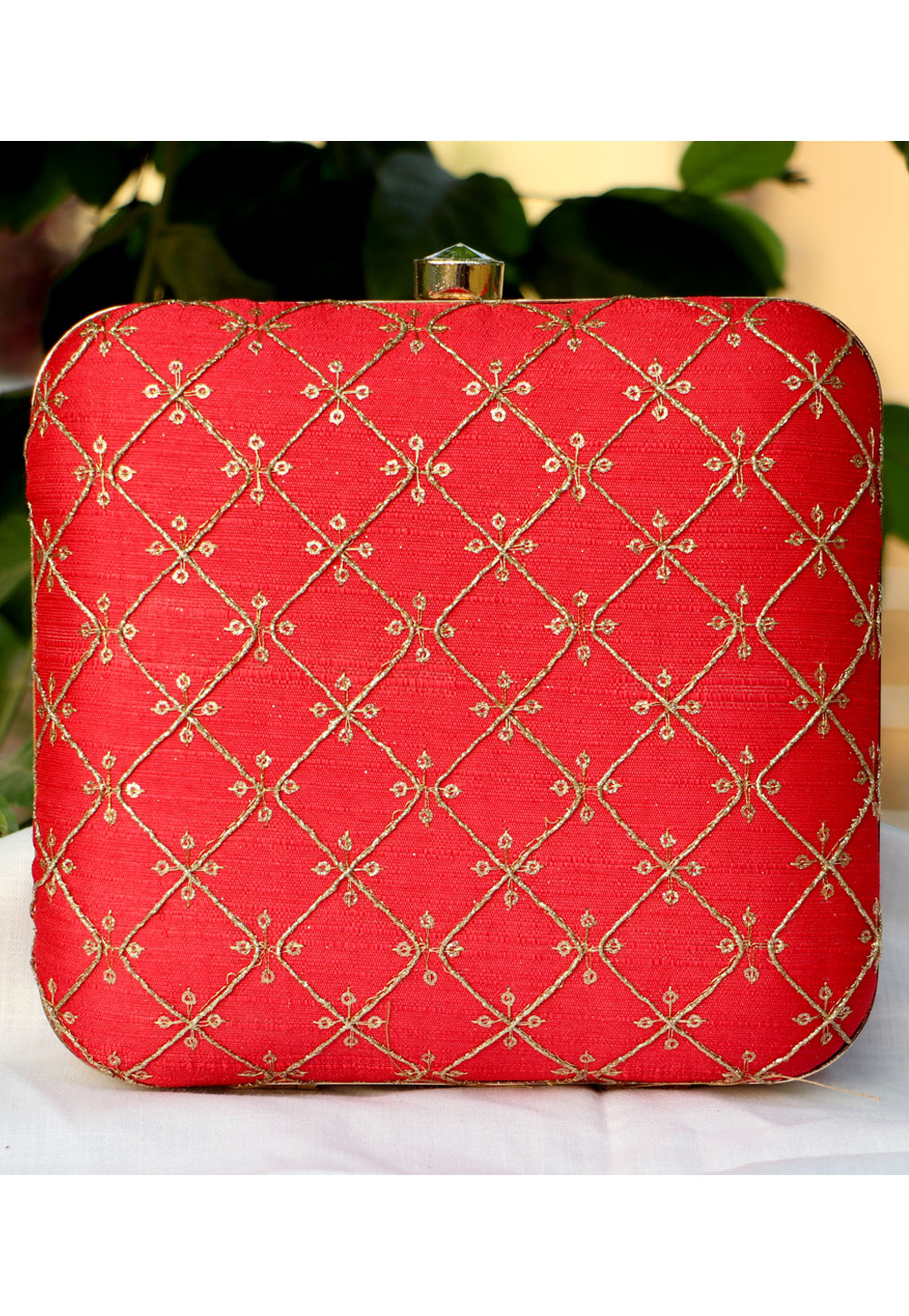 Red Synthetic Embroidered Clutch 225652