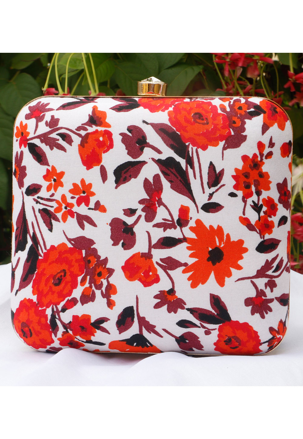 Off White Synthetic Printed Clutch 225682