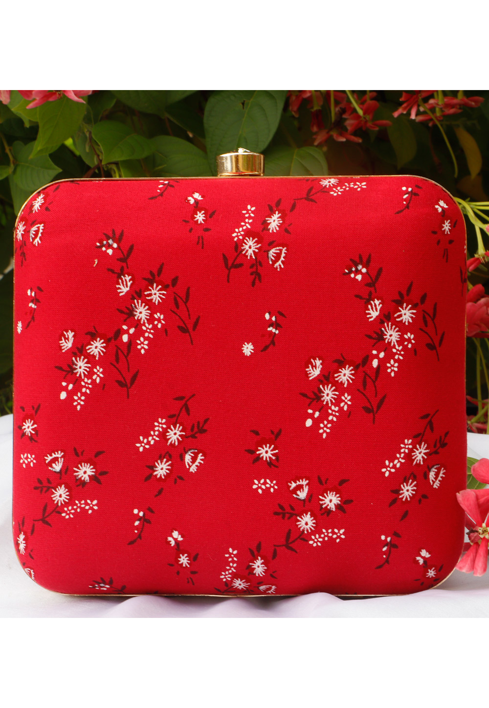 Red Synthetic Printed Clutch 225684