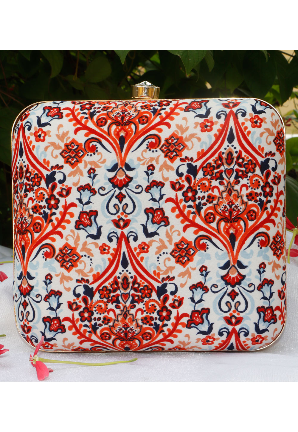 Off White Synthetic Printed Clutch 225690