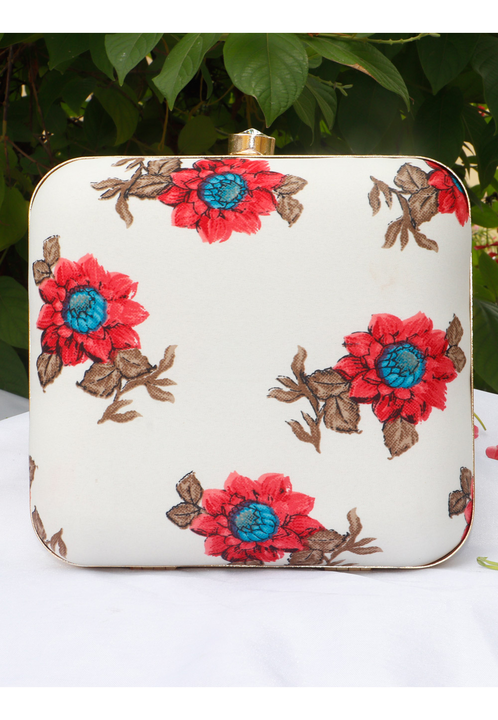 Off White Synthetic Printed Clutch 225692