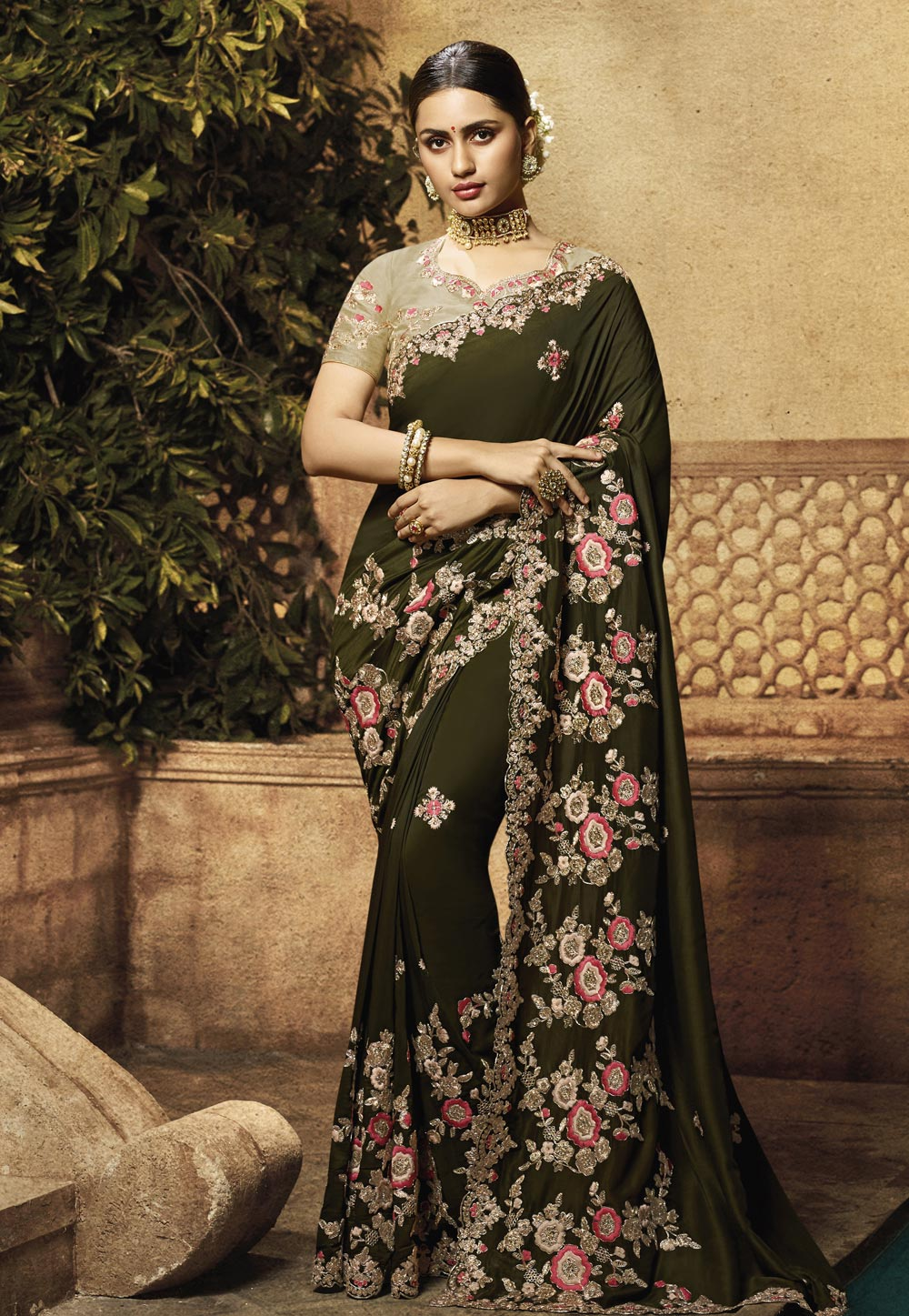 Mehndi Muslin Embroidered Saree With Blouse 195788