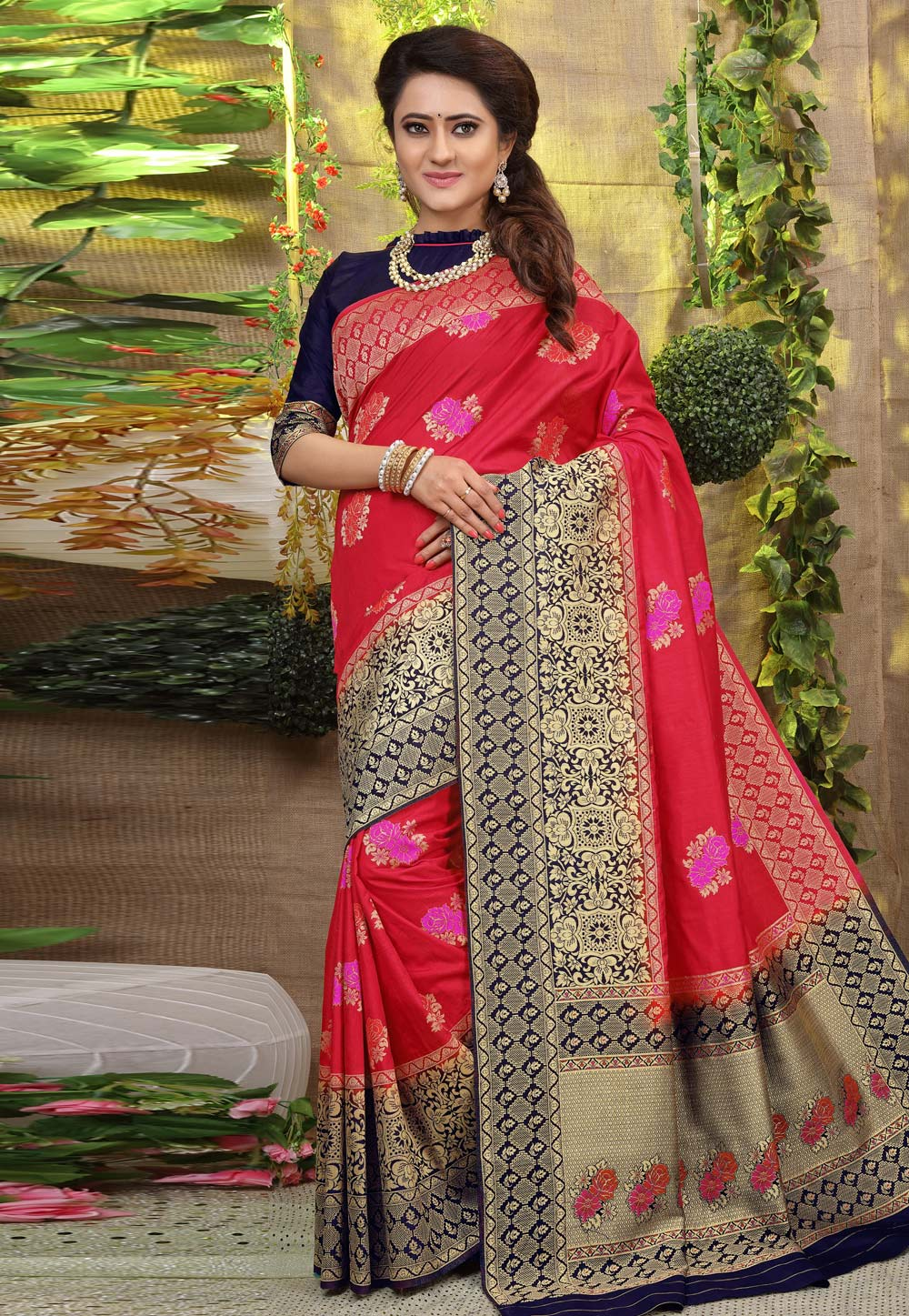 Red Jacquard Saree With Blouse 168978
