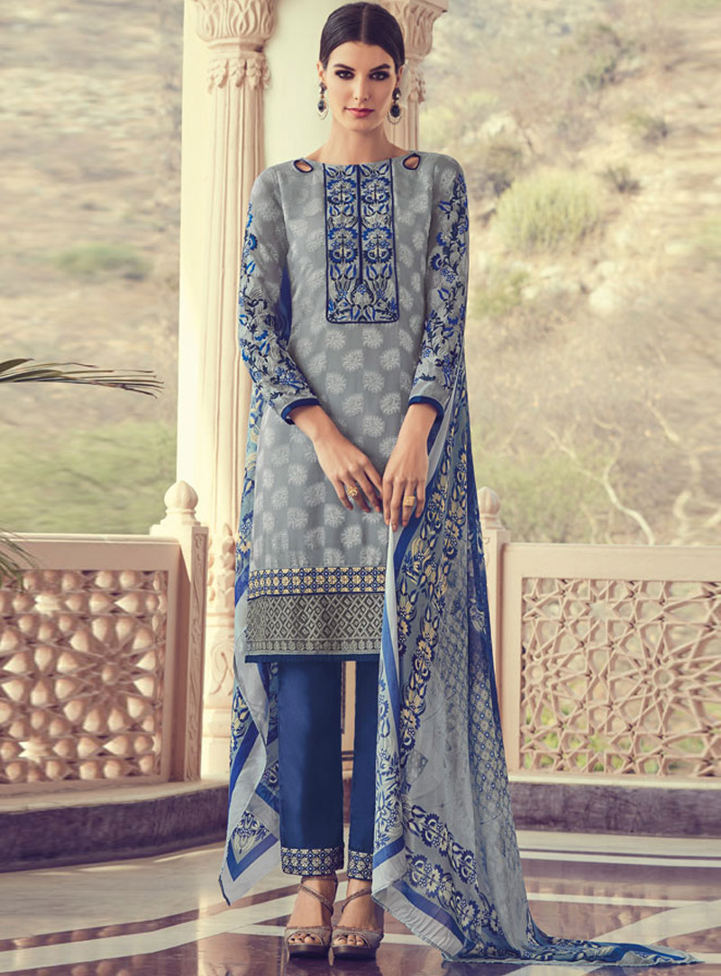 Grey Georgette Pakistani Style Suit 140363