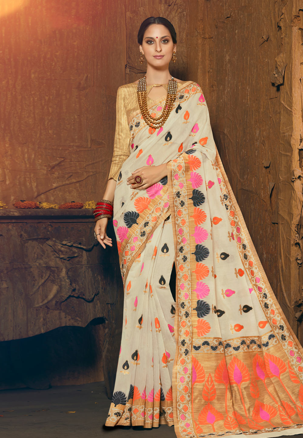 Off White Silk Saree With Blouse 195233