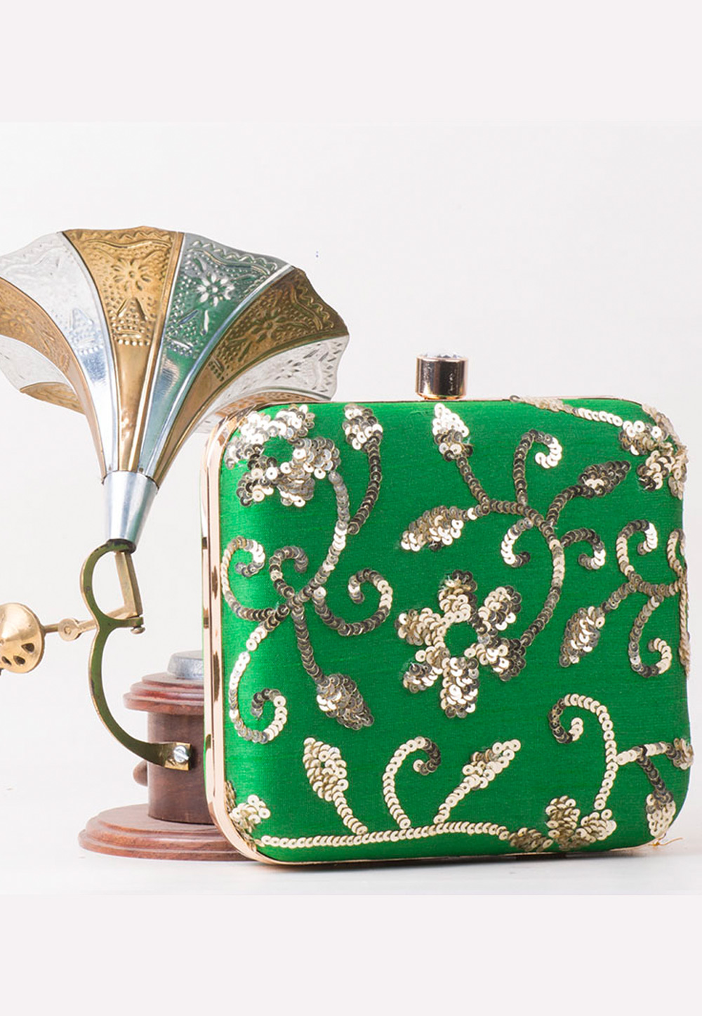 Green Synthetic Embroidered Clutch 172760