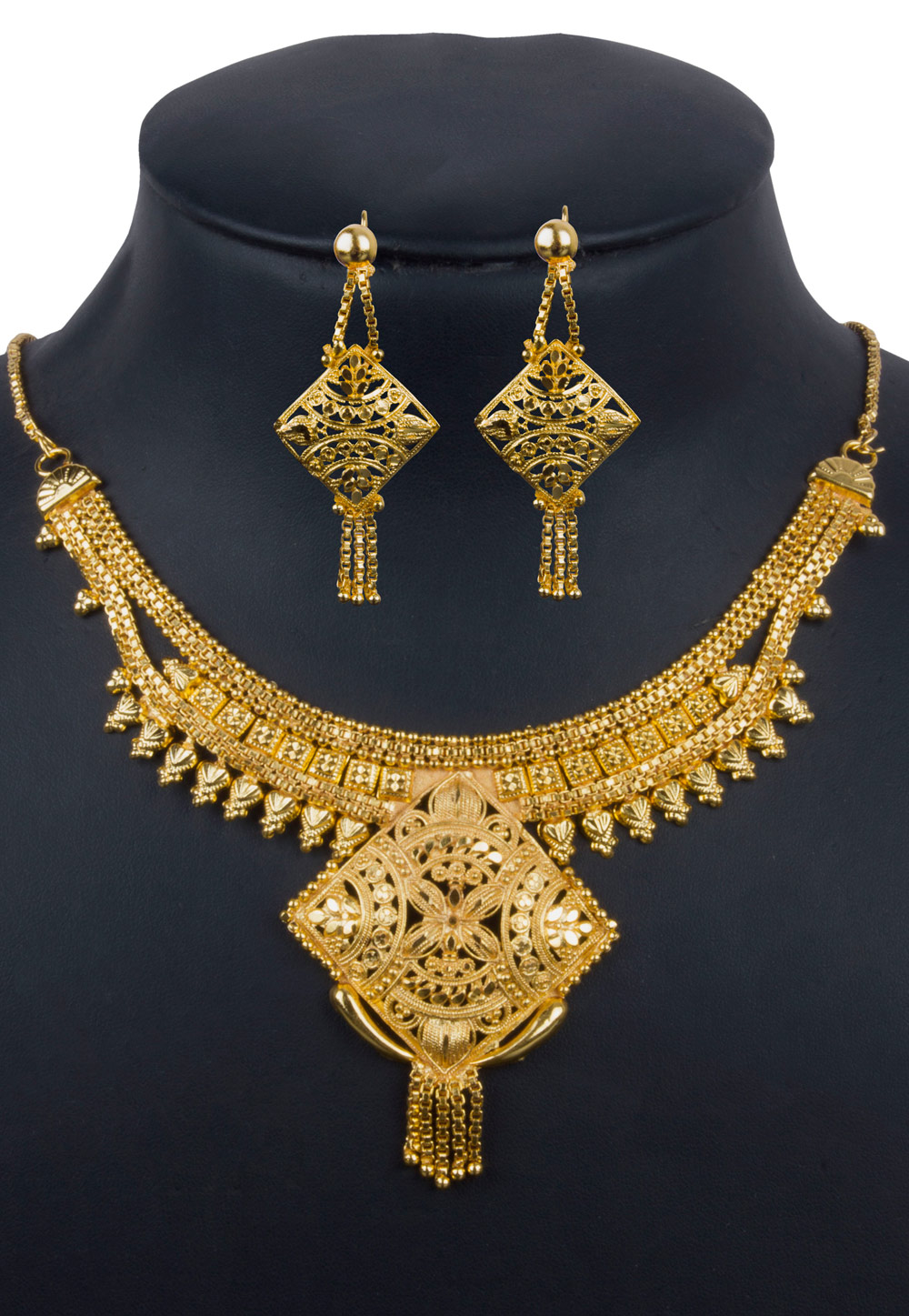 Golden Alloy Necklace With Earrings 157116