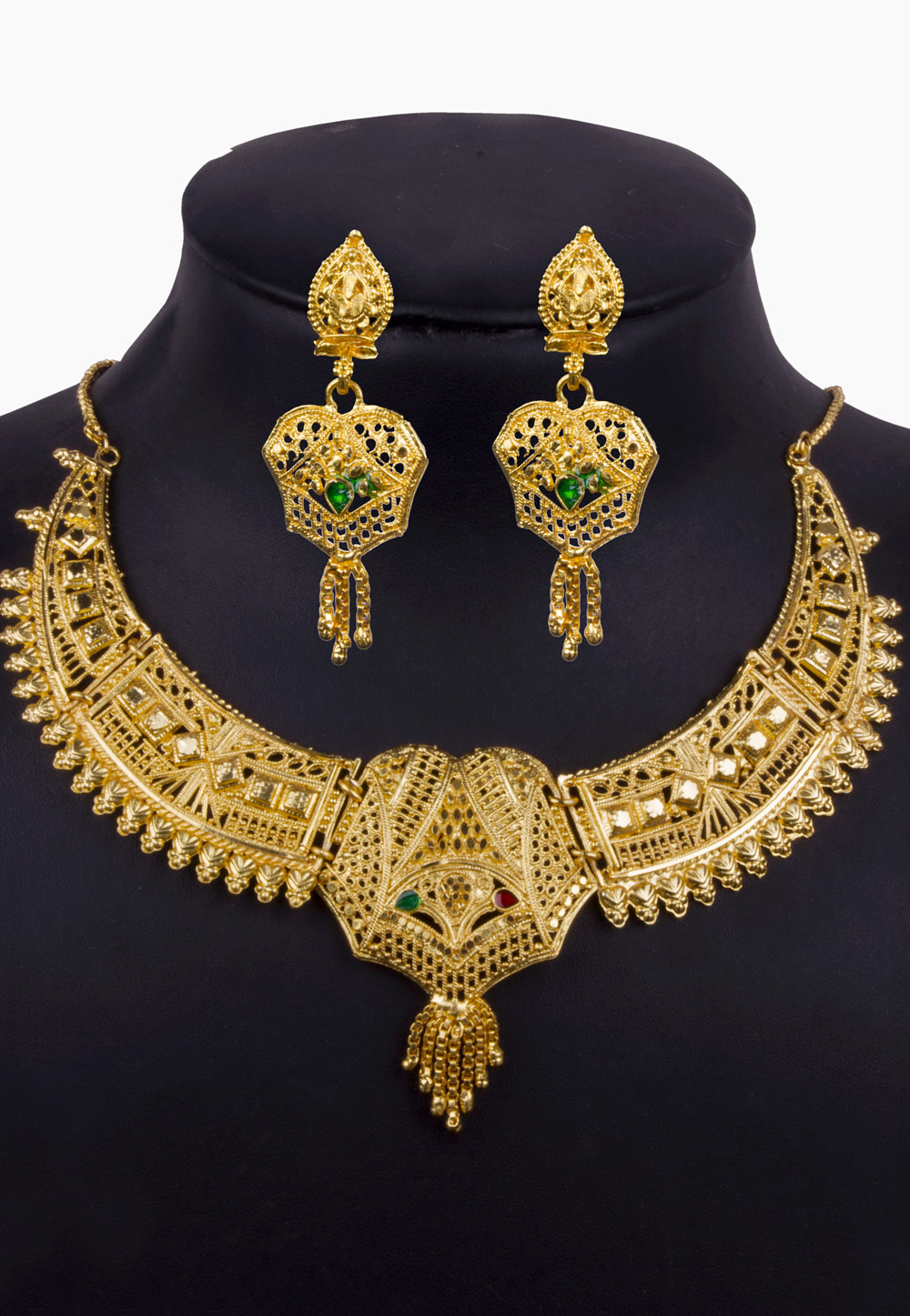 Golden Alloy Necklace With Earrings 157117