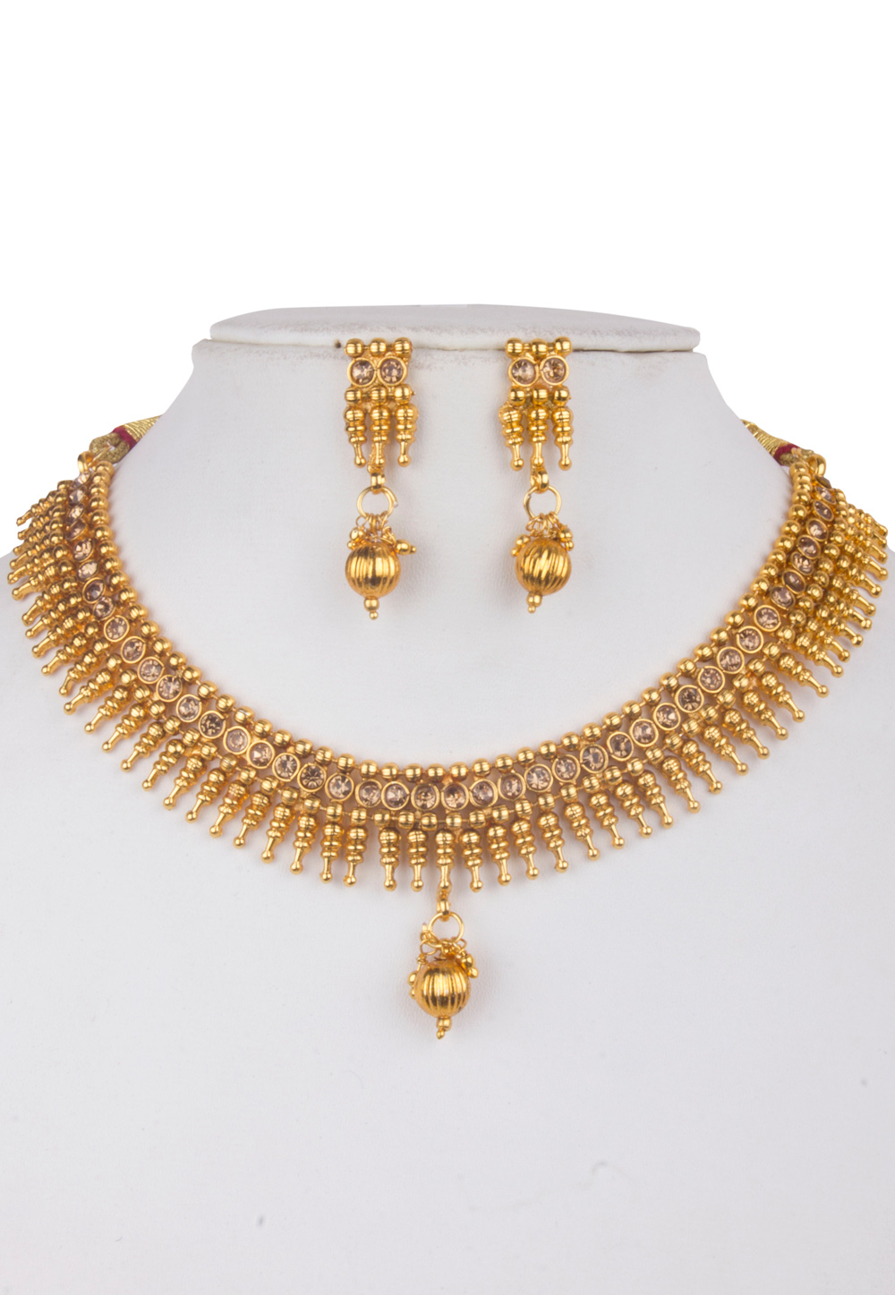Golden Alloy Kundan Necklace With Earrings 156254