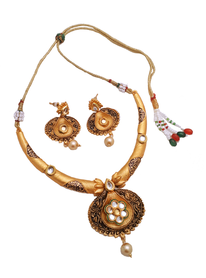 White Alloy Kundan Necklace With Earrings 148747