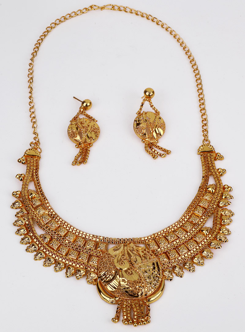 Golden Brass Necklace With Earrings 153167