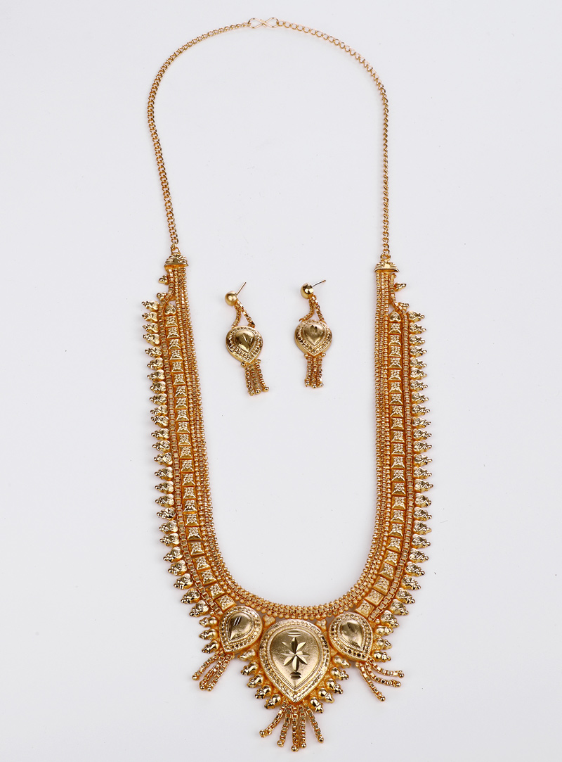Golden Brass Necklace With Earrings 153172
