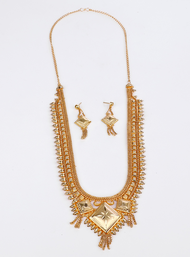 Golden Brass Necklace With Earrings 153174