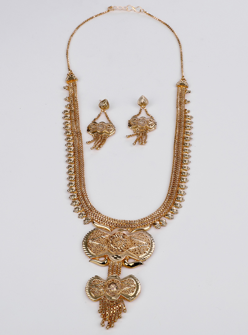 Golden Brass Necklace With Earrings 153175