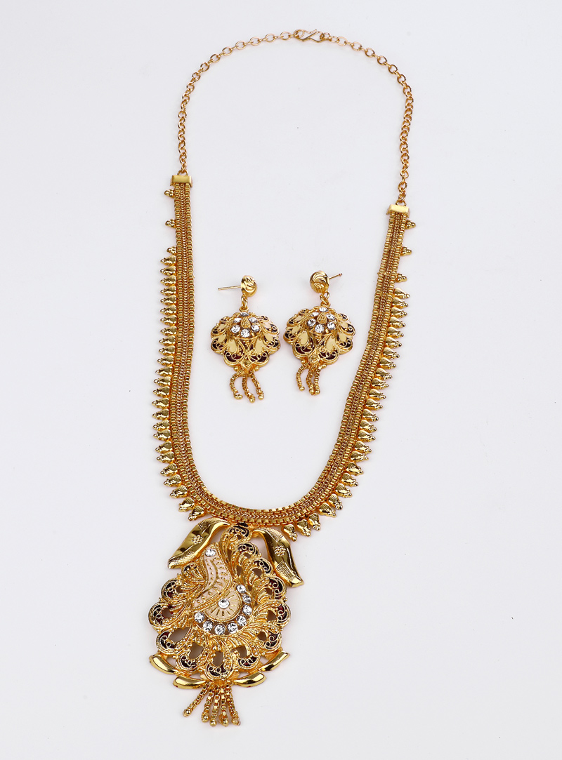 Golden Alloy Necklace With Earrings 153179