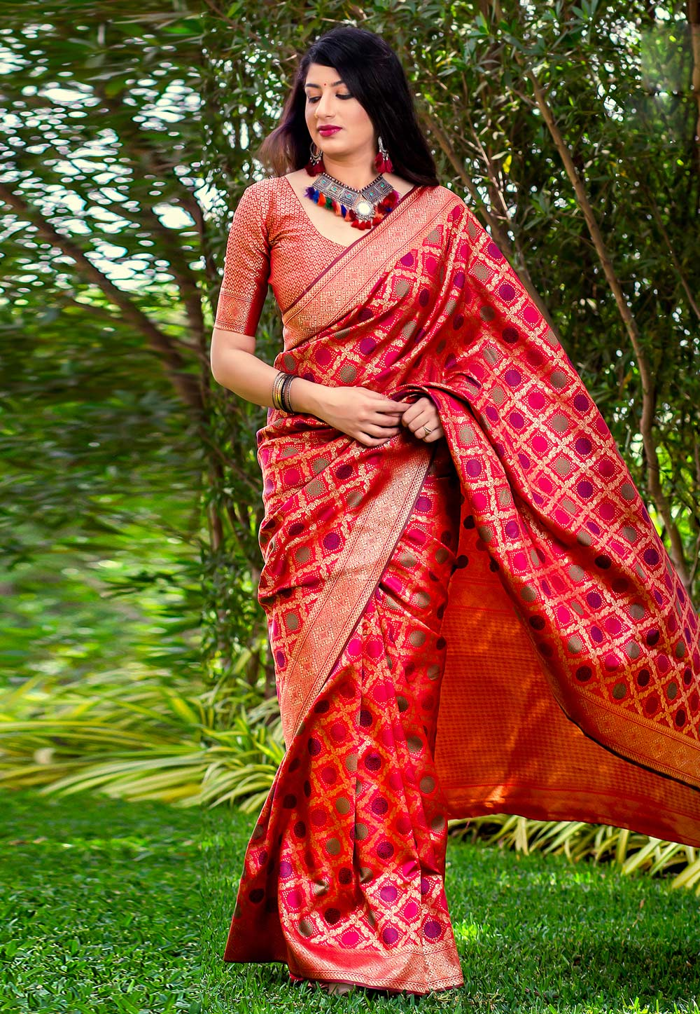 Magenta Banarasi Silk Saree With Blouse 167193