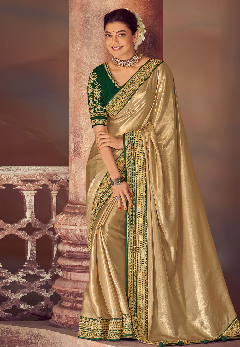 Kajal Aggarwal Golden Silk Saree With Blouse 199477