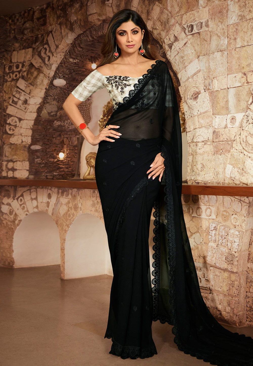 Shilpa Shetty Black Georgette Saree With Blouse 197598